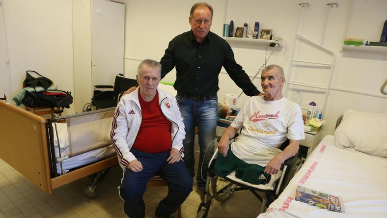 Jurácsik Mátyás, az egykori csapattárs meglátogatta Törőcsiket és Schumannt – örült a javulásnak /Fotó: Isza Ferenc