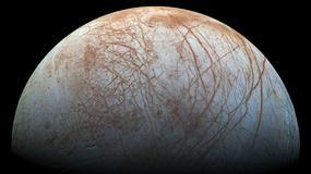 NASA opublikowała zdjęcia gejzerów wodnych na księżycu Jowisza
