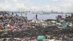 Pływająca wyspa śmieci - toksyczna bomba na Malediwach