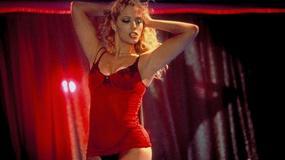"""Elizabeth Berkley świętuje 20 lat od premiery """"Showgirls"""". Jak się zmieniła?"""