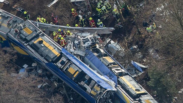 Niemcy: błąd ludzki przyczyną katastrofy kolejowej w Bawarii