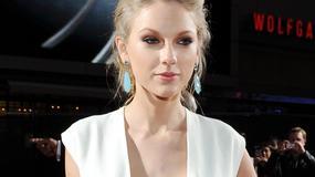 Taylor Swift pokazała dekolt. Ona coś tam jednak ma!