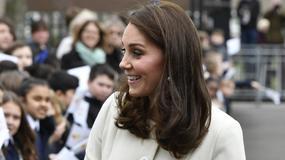 Księżna Kate Middleton z wizytą w szkole podstawowej. Wygląda kwitnąco!