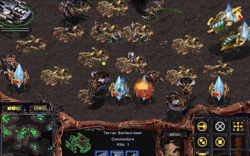 StarCraft patrí do žánru real-time strategy (RTS) a na bojisko nazeráme z izometrického pohľadu.