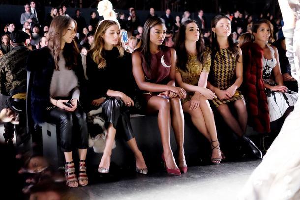 Zmiana warty na pokazach mody