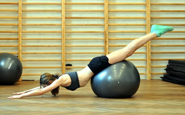 Wyszczuplanie na piłce + push-ups