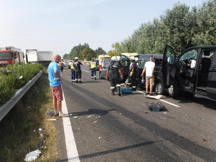 Baleset történt reggel az M7-es autópálya 102. kilométerszelvényében /Fotó: Siófoki HTP