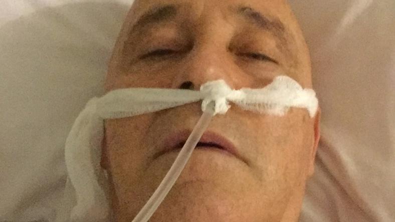 Karácsony előtt gyomorbél-hurut fertőzéssel került kórházba, ami miatt rengeteg vért vesztett – ez a fotó akkor készült róla