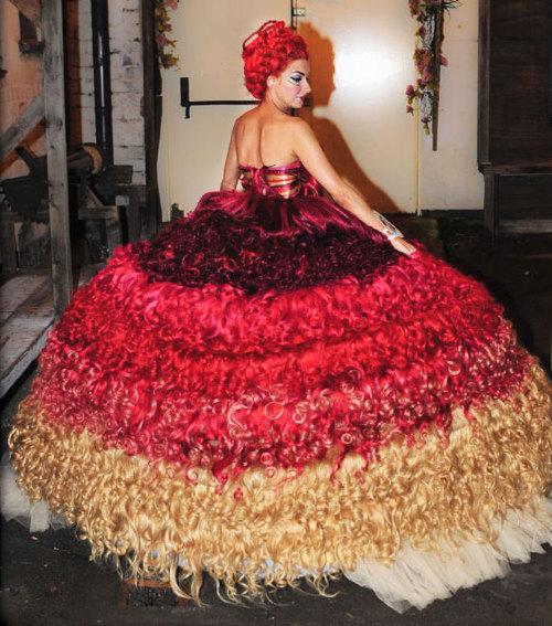 Menyasszonyi ruha hajból - Blikk.hu 7818838887