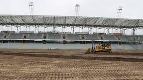 Trwa wymiana murawy na kieleckim stadionie