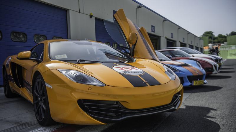Assetto Corsa - prezentacja sportowych samochodów