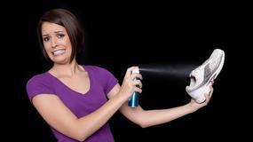 Jak usunąć przykry zapach z butów? 10 niezawodnych sposobów