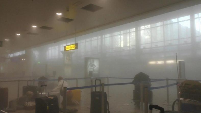 Ebben a füstben és keveredésben állt elhagyatva a kislány /Fotó: MTI
