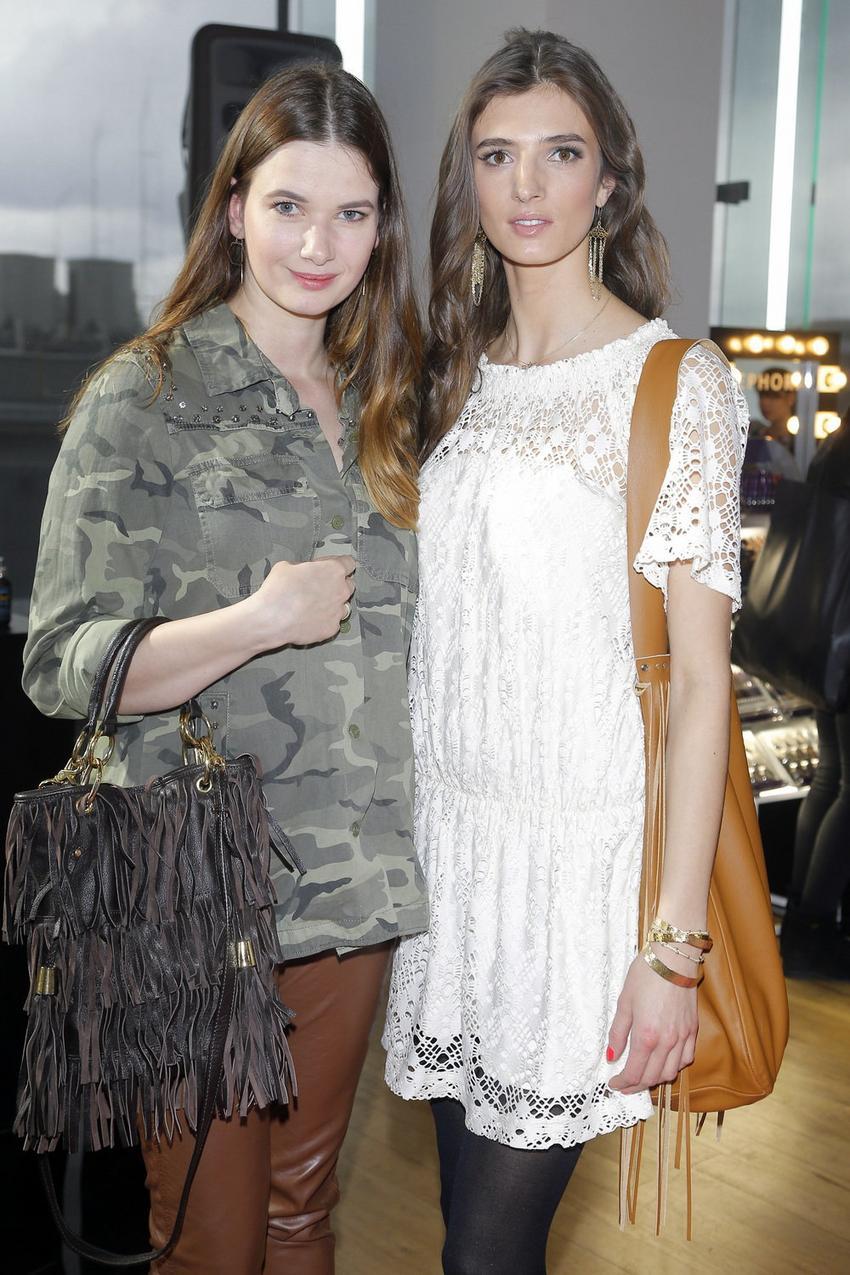 Karolina Malinowska i Kamila Szczawińska, modelki z agencji Model Plus / fot. AKPA