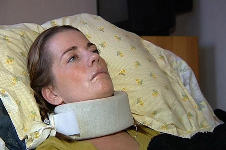 Szwedka w śpiączce po operacji piersi.