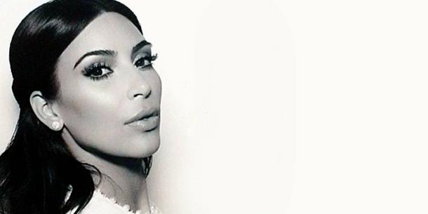 Sekrety ślubnego makijażu Kim Kardashian - sztuczne rzęsy zniknęły ze sklepów!