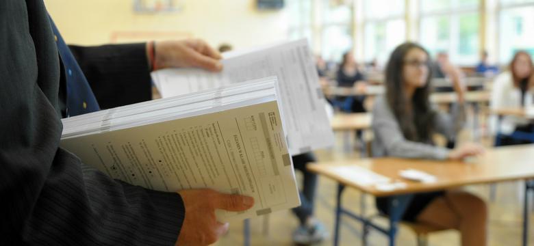 Egzamin gimnazjalny 2016: przedmioty przyrodnicze - arkusze CKE i odpowiedzi [biologia, chemia, fizyka i geografia]