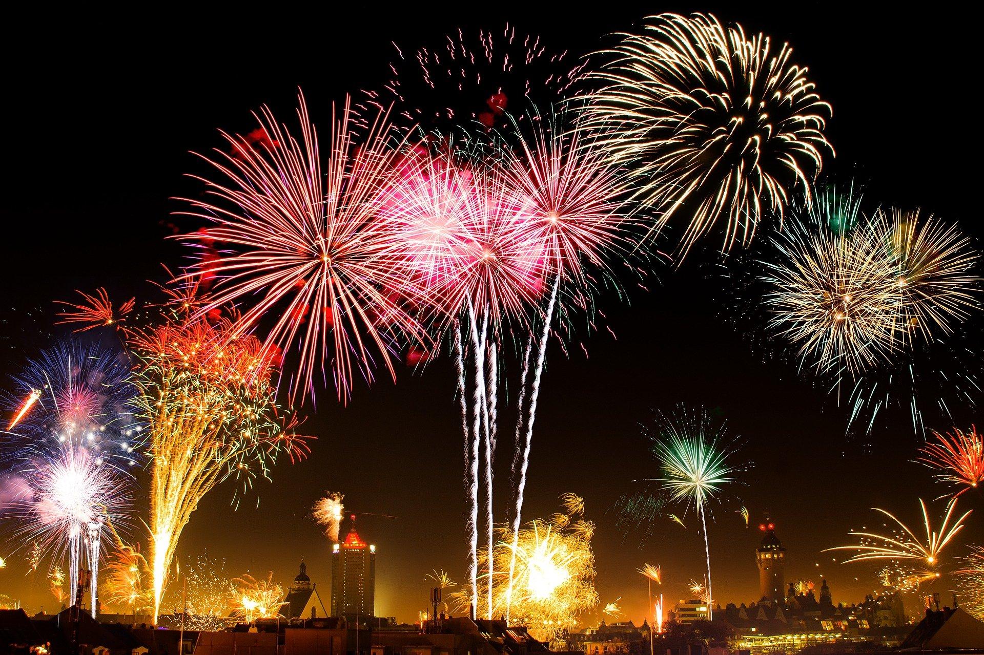 HÉTFÜ - Az utolsó tűzijáték