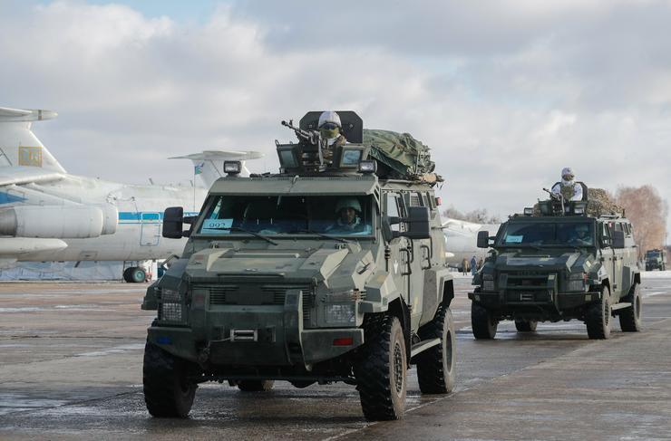 Ukrajna, a zsitomiri légibázis, Mikulás napján... / Fotó: MTI Szerhij Dolzsenko