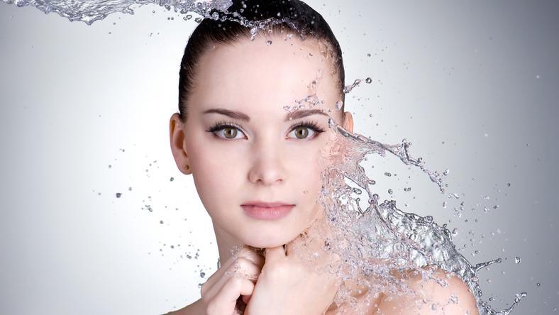 Egy kis odafigyeléssel sokat tehetünk azért, hogy bőrünk üdeségét és egészségét megőrizzük / Fotó: Shutterstock