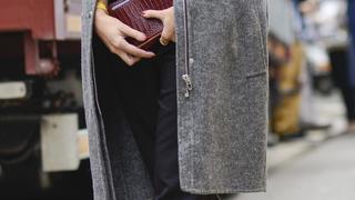 Must have: szary płaszcz