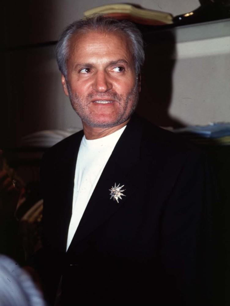 account of the life of gianni versace Versace issues another statement about 'american crime story,' pokes know the facts of his life gianni versace was a as the definitive account of andrew.