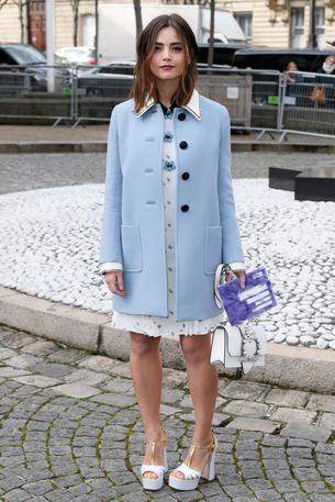 Best look: Jenna Coleman w płaszczu Miu Miu
