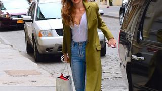 Best Look: Gigi Hadid w płaszczu Sandro