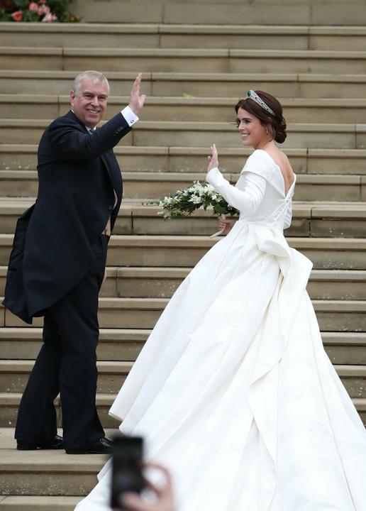 Eugénia hercegnőt apja, András, York-i herceg kísérte oltárhoz / Fotó : Profimedia-Reddot