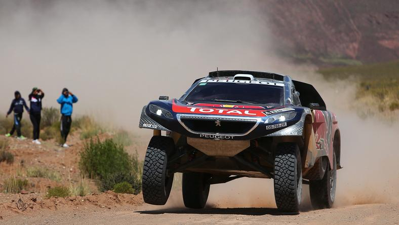 Dakar-újoncként is vezet Loeb /Fotó: MTI-EPA-Nicolas Aguilera