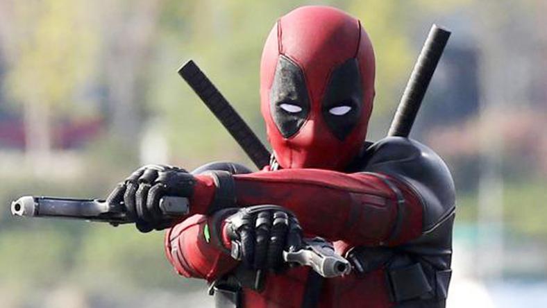 A piros ruhás hős nem az emberiséget akarja megmenteni, hanem bosszút akar állni