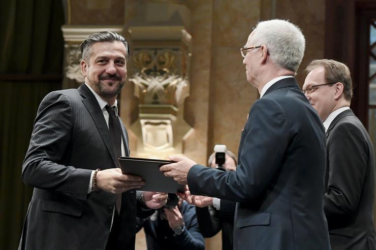 Csányi Sándor színművész is átveszi a Magyarország Érdemes Művésze díjat / Fotó: MTI Koszticsák Szilárd