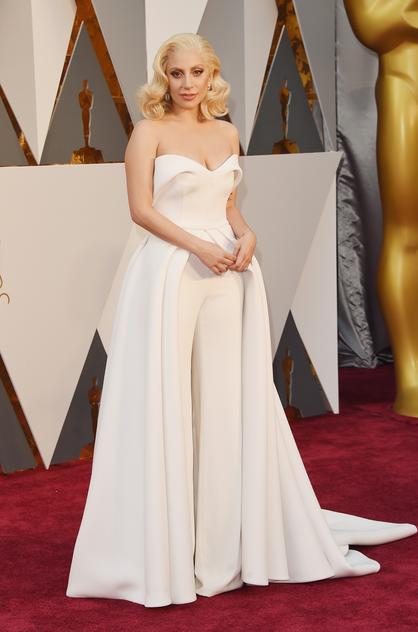 Lady Gaga w kreacji projektu Brandona Maxwella na gali rozdania Oscarów 2016