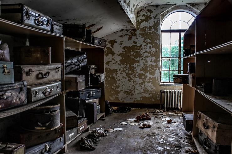 Az egykori betegek hátrahagyott személyes holmijait itt tárolták / Fotó: Northfoto