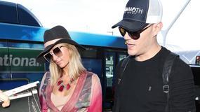 Paris Hilton z narzeczonym na lotnisku. Uwagę przykuwał zwłaszcza jeden szczegół