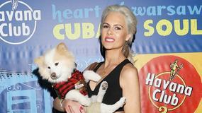 Żona Hollywood w Polsce. Pozuje na ściankach z mężem i... psem