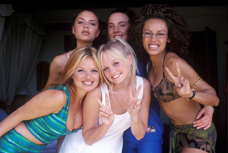 Ubrania w stylu Spice Girl, które są modne teraz Noizz