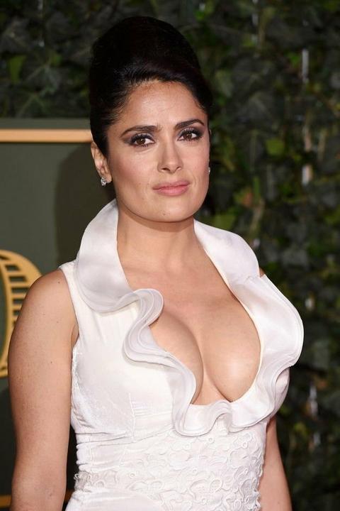 Pour la premire fois une actrice indienne pose nue en Une