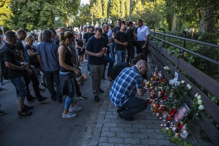 A meggyilkolt borászra emlékeznek Badacsonyban/ Fotó: MTI Mónus Márton