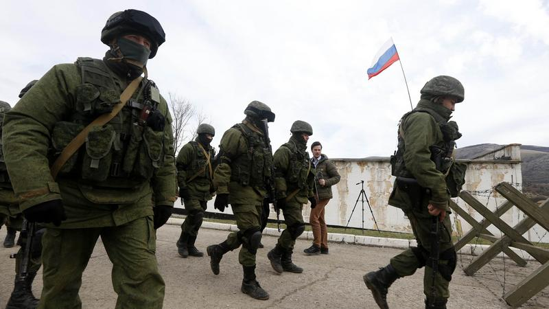 Szturm na ukraińskie jednostki wojskowe. Pobito dwóch dziennikarzy
