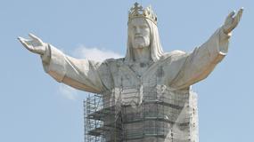Remont figury Jezusa Chrystusa Króla Wszechświata w Świebodzinie