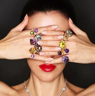 Adele Uddo - modelka bez twarzy, która zarabia 15 tys. złotych dziennie!