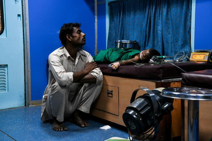 Több mint egy millió emberen segítettek /Fotó: AFP