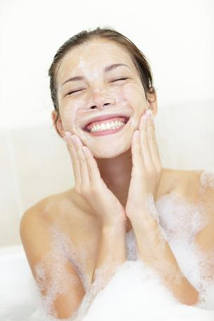 5 błędów jakie popełniasz przy myciu twarzy