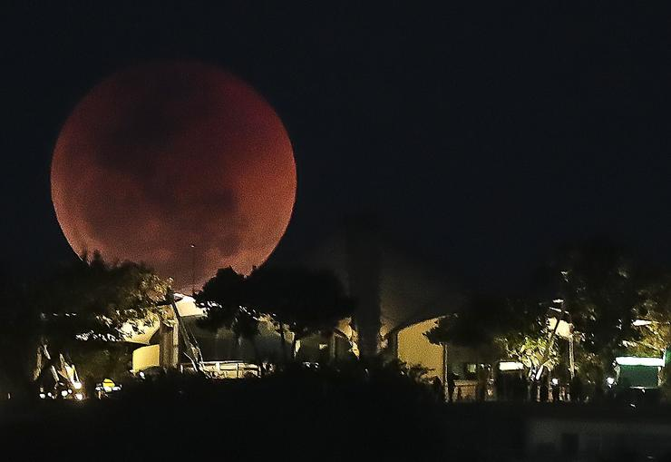 A brazíliai Rio de Janeiroban is meseszerű volt az égbolt /Fotó: MTI/EPA-Antonio Lacerda