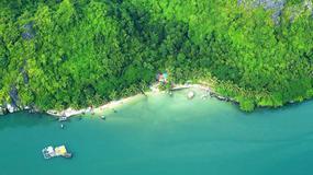 Zatoka Ha Long z lotu ptaka - uruchomiono loty widokowe nad wietnamskim cudem natury