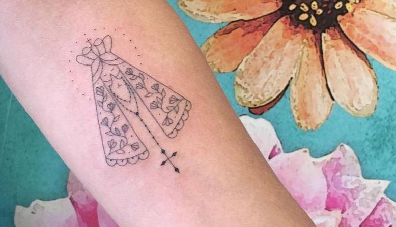 Minimalistyczne Tatuaże Z Matką Boską ładne I Z Przesłaniem