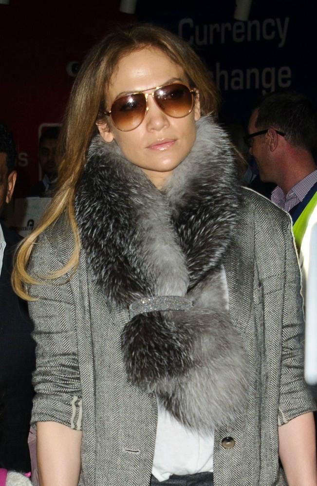 Jennifer Lopez w płaszczu Nina Ricci