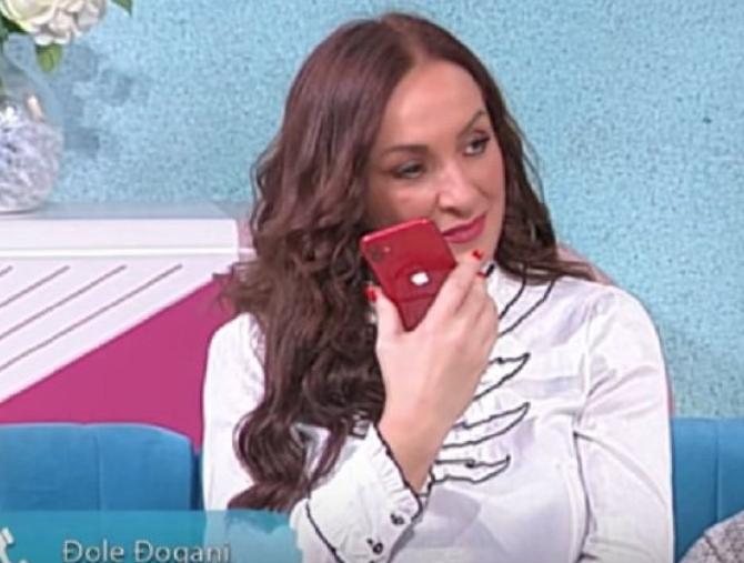 Slađa Delibašić je bila u svađi sa Đoletom Đoganijem, dugo se nisu čuli: Pevačica pozvala bivšeg muža u emisiji uživo, evo šta joj je on rekao!