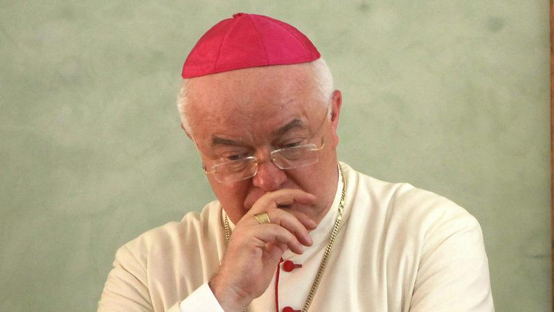 Arcybiskup Józef Wesołowski został umieszczony w areszcie domowym